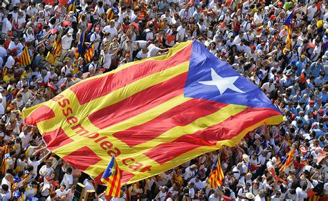 Catalonia independence: Barcelona parliament approves