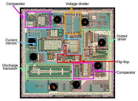 CMOS 555 Timer: Structure Explained and Reverse Engineered
