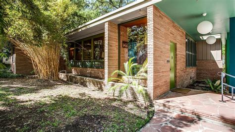 Handsome midcentury home in Texas asks $1