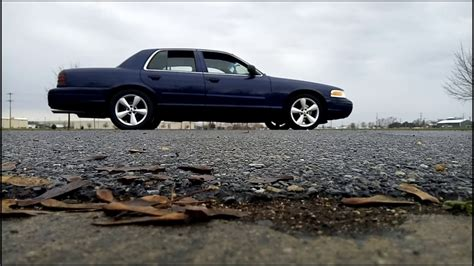 Crown Vic With Flowmaster 40s - YouTube