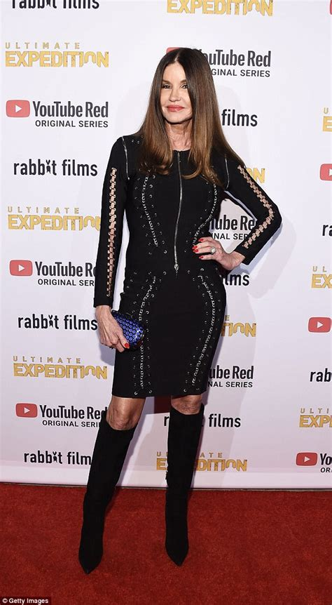 Janice Dickinson dazzles in clinging LBD at YouTube gala