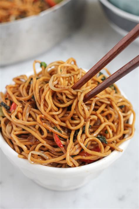 Vegetable Chow Mein | Quick and Easy Vegan Recipe | Hip