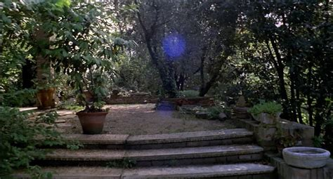 Udda film: LOVE AND DEATH IN THE GARDEN OF THE GODS (1972