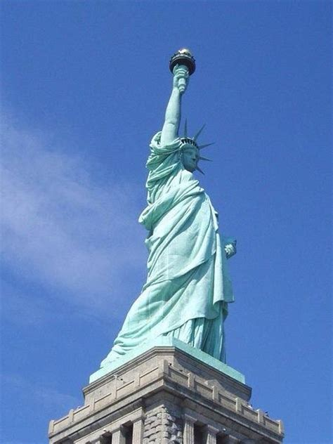 What are some of the best statues or sculptures in the